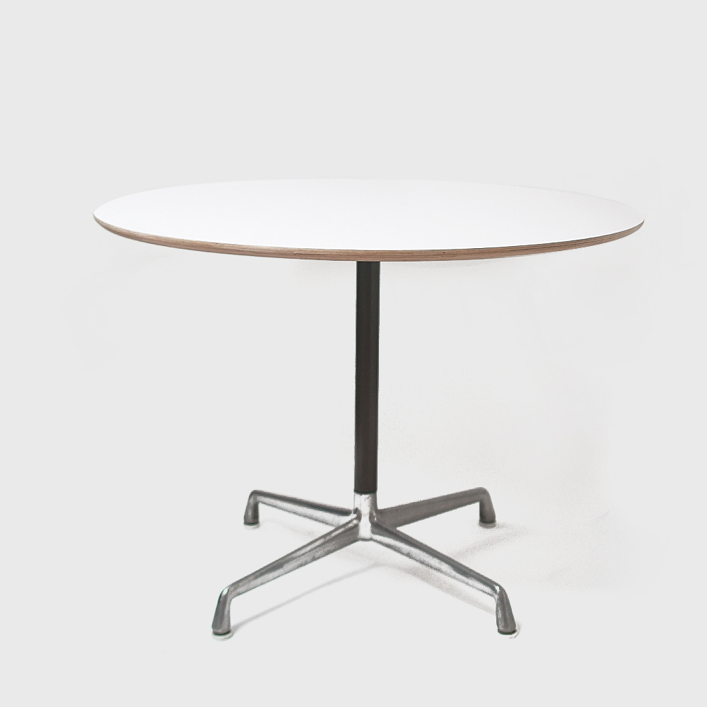 Herman Miller AluminumGroup Universal Base Dining Table (Round Top)