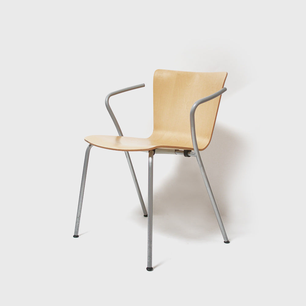 Fritz Hansen by Vico Magistretti Vicoduo Chairs