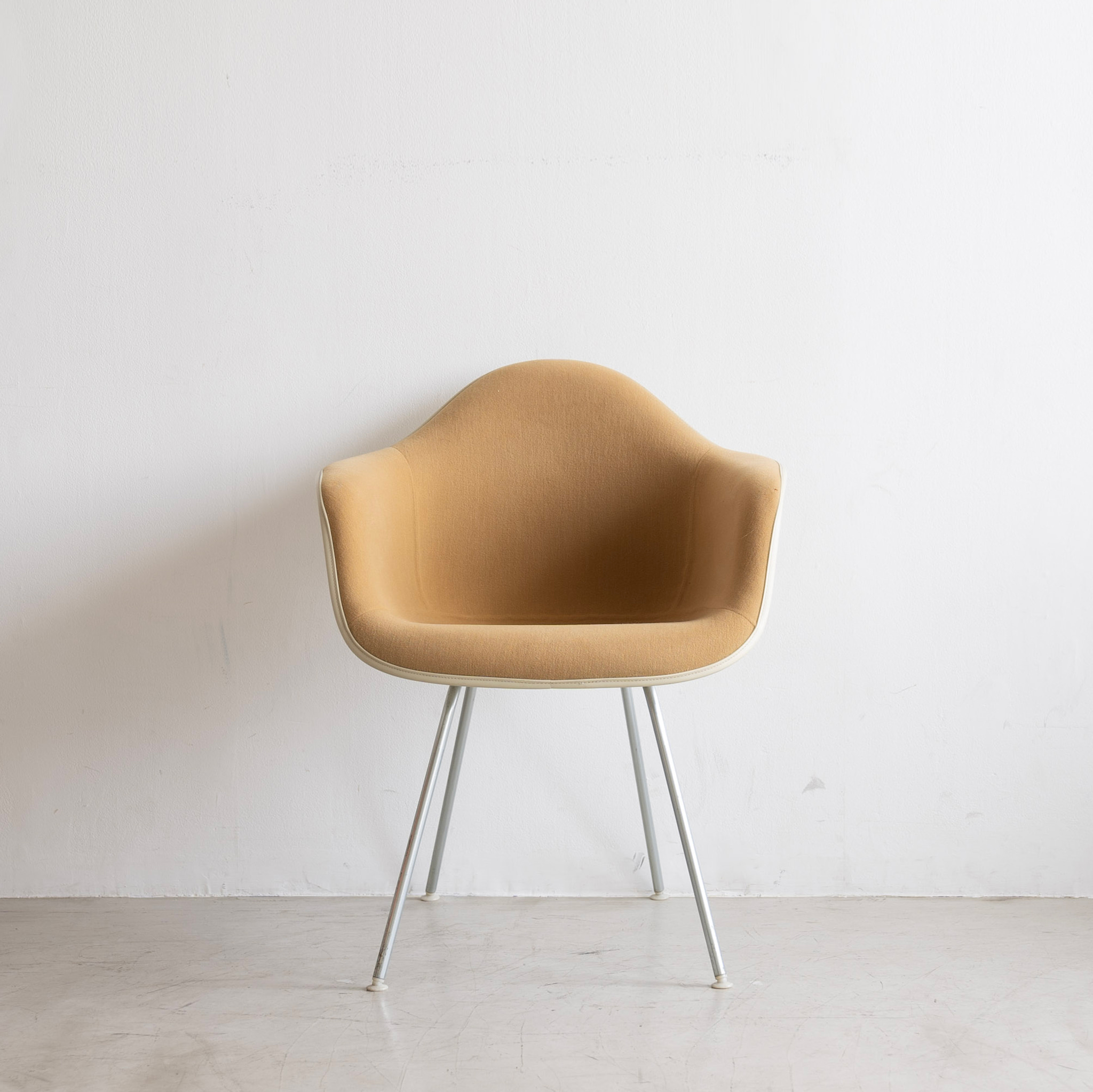 Charles & Ray Eames Herman Miller Upholstered Textile Fiberglass DAX Arm Shell Chair